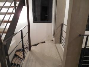 escalier limon en plats marches en bois et garde corps 1er et 2eme etage