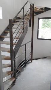 escalier limon en plats marches en bois et garde corps 2eme etage